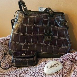 💜Dooney & Bourke croc embossed purple purse💜